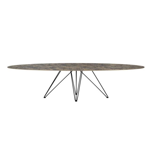 Cette table de la marque Joli est conçue par le designer Mathias De Ferm.