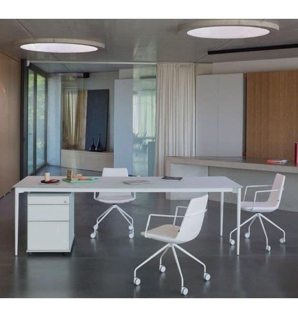 Bureau design Marguerite marque belge Joli pour cabinet ou maison