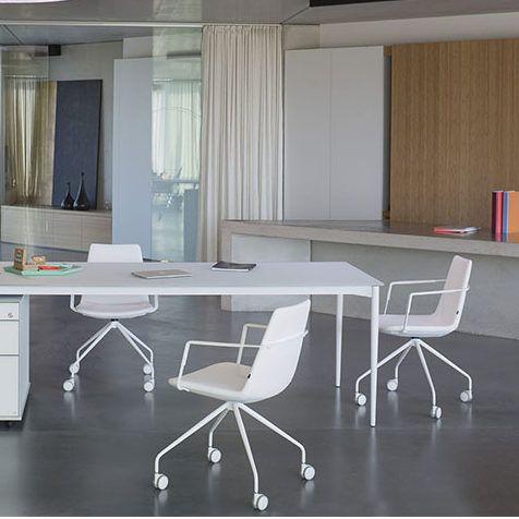 La chaise de bureau Rafaël est idéale pour associer raffinement et confort.