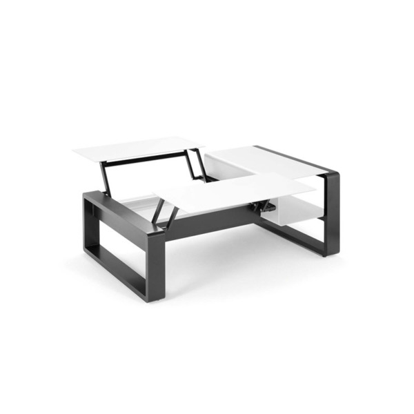 Cette table basse KAMA duo de EGO Paris est idéale pour un moment en terrasse.