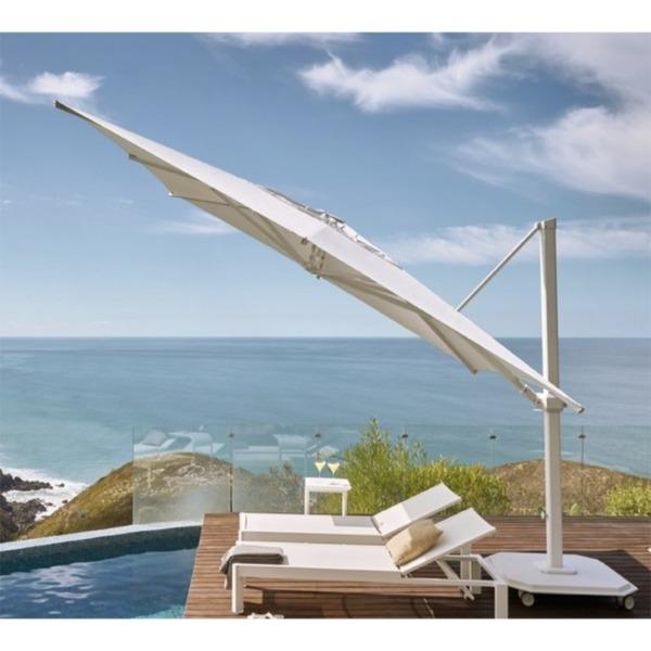 Des parasols Jardinico de grande taille et résistant au vent jusqu'à 105km/h.
