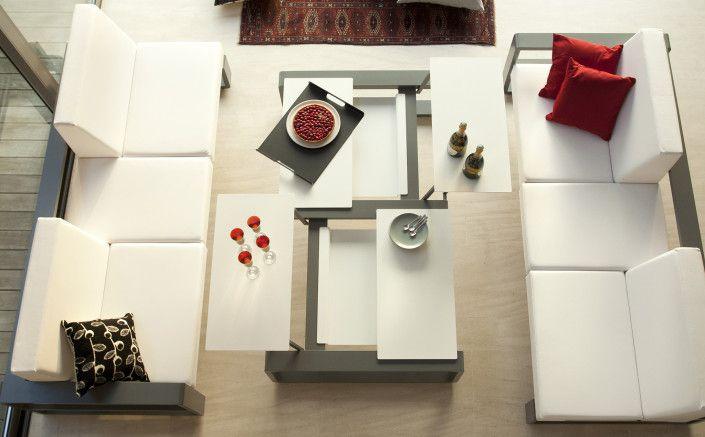 Cette table élégante de la marque Ego Paris a été conçue par le designer Benjamin Ferriol.
