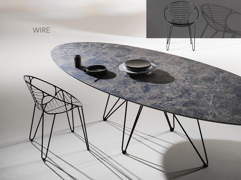 table de repas design de JOLI est composée d'un plateau en grès céramique