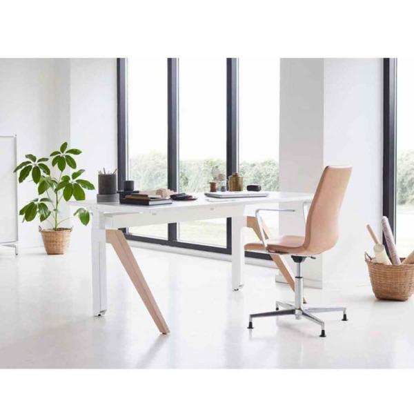 Ce bureau ergonomique danois possède un design remarquable.