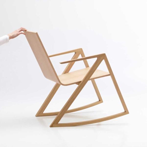 Rocking chair FELIX design en bois et aux lignes minimalistes de la marque Per/use.