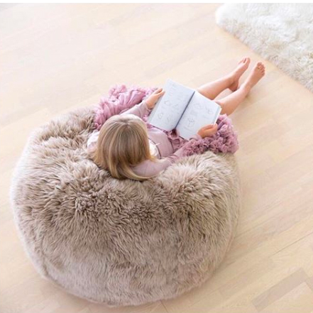Pouf en laine de mouton naturelle Bean Bag de la marque Natures Collection.