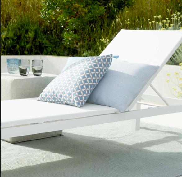 chaise longue MONTENEGRO Jardinico avec sa structure en aluminium thermolaqué
