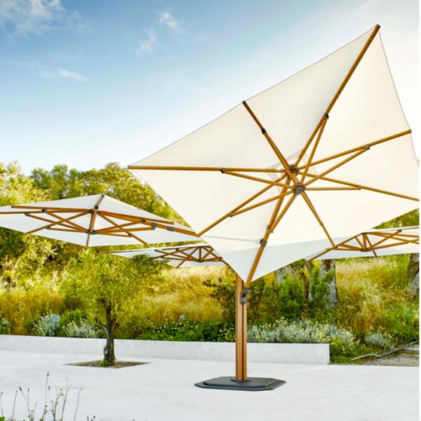 Parasols de luxe carrés JARDINICO de300 x 300 cm sont d'une robustesse étonnante.