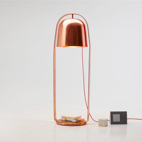 La lampe BELLA de Peruse est une création de designer Lucie Koldova.